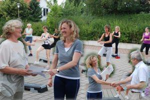 Allround-Fitness-Ueberreichung-Urkunde.jpg